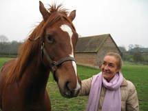 ABETH MUSSAT, 1ère joueuse officielle de polo en France, éleveur de pur-sang.