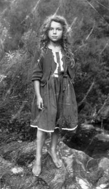 Myriam BOLLACK-BADEL : Femme atypique